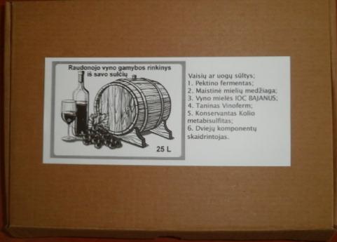 Raudonojo vyno rinkinys iš savo sūlčių